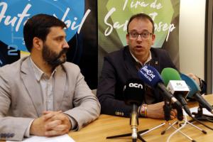 Pla mitjà on es pot veure l'alcalde de Mollerussa, Marc Solsona, i el director de Fira de Mollerussa, Poldo Segarra