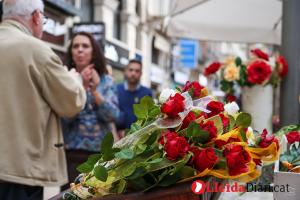 Lleida viu una gran festivitat de Sant Jordi tot i l'amenaça de pluja.