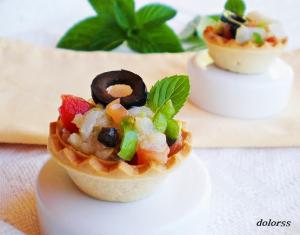 Tartaletes de bacallà curat i olives
