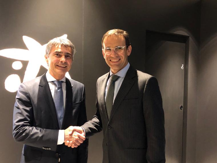 El president de la Trobada Empresarial al Pirineu, Vicenç Voltes, i el director territorial de CaixaBank a Catalunya, Jaume Masana.