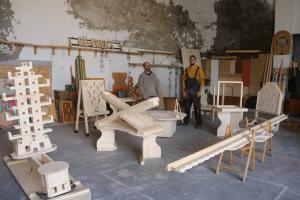 Diego Caicedo i Toni Tomàs, els encarregats d'elaborar artesanalment les estructures