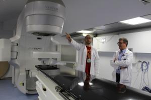 Imatge del nou accelerador de radioteràpia de l'Arnau