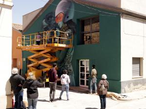 Imatge pla sencer del mural dels artistes Faunagraphics i Rocket01