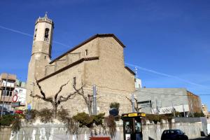 L'església d'Alpicat i al costat, el Teatre La Unió