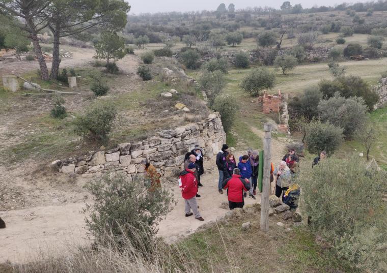 Una visita per conèixer la cultura de la pedra seca a les Borges Blanques