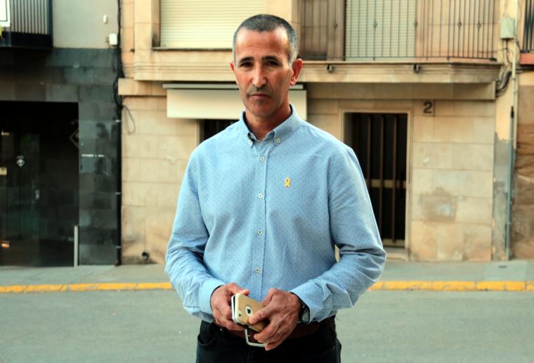 Pla mitjà de l'alcalde d'Alcarràs
