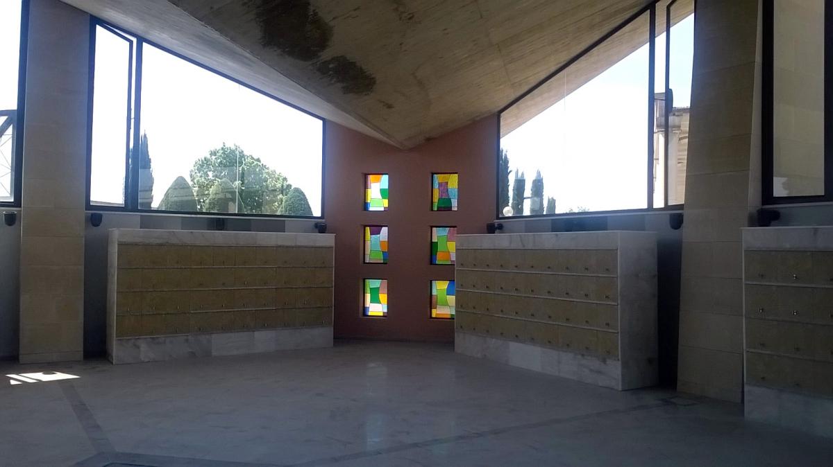 Els nous columnaris del cementiri de Lleida