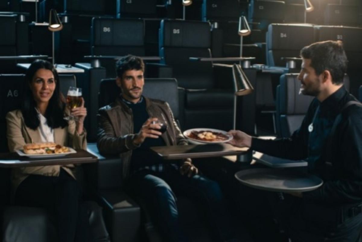 La sala de cinema tindrà servei de menjar