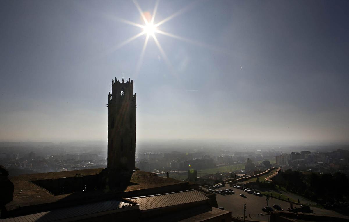 La Seu Vella de Lleida en un dia de calor