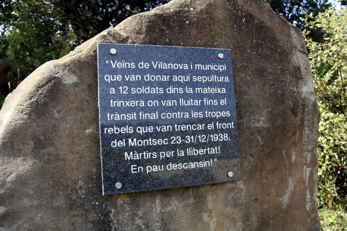 Monòlit en record dels soldats republicans que van morir a Vilanova de Meià