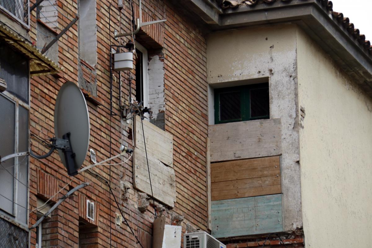 Pla tancat d'algunes obertures d'habitatges del grup Sant Isidori de Mollerussa