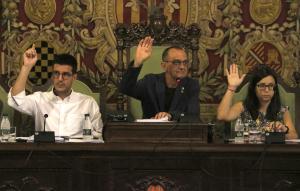 Pla mitjà on es pot veure a l'alcalde de Lleida, Miquel Pueyo