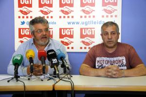 El secretari general de la UGT-FICA terres de Lleida, Xavier Perelló, amb el també membre del sindicat, Antonio Dolcet
