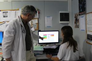Pla mitjà on es pot veure, Gerard Torres, cap de secció de Medicina Interna