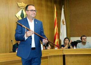 Pla mitjà on es pot veure l'alcalde d'Alpicat, Joan Giralt