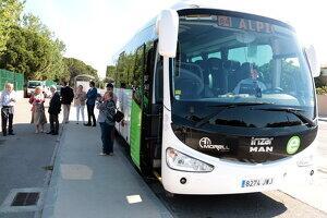 Pla general del bus exprés que connectarà Alpicat i Lleida