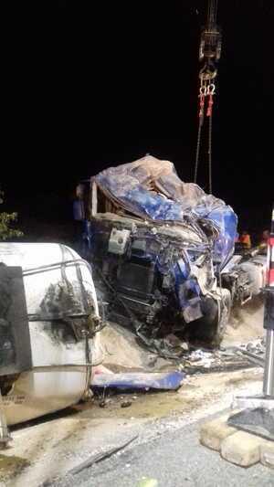 Imatge del camió bolcat
