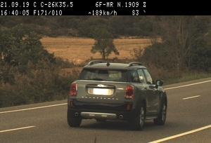 Imatge d'un dels cotxes que circulava a gran velocitat