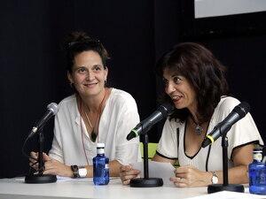 Pla tancat de la directora artística de FiraTàrrega, Anna Giribet, i l'alcaldessa de Tàrrega, Alba Pijuan
