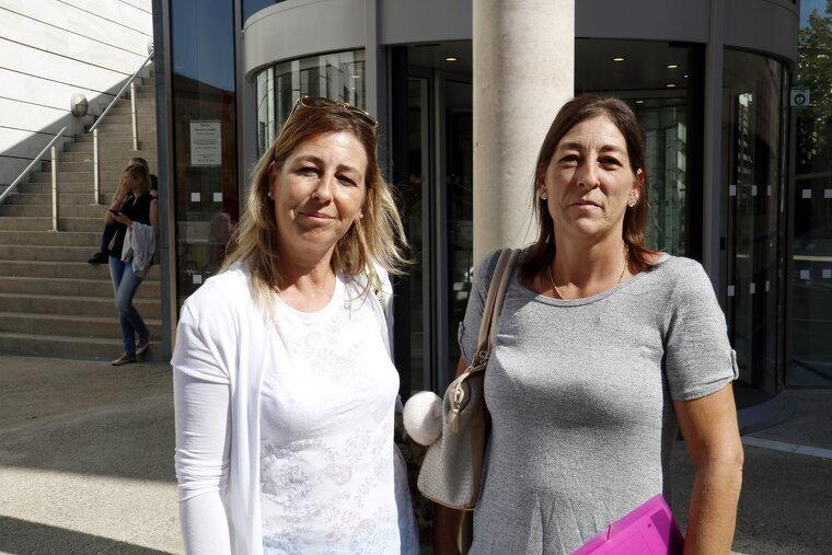 Dues de les filles que defensen que la propietat del pis és un dret adquirit de la seva mare