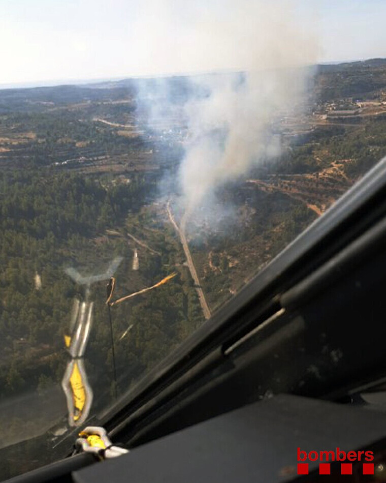 Imatge aèria de l'incendi forestal a Cervià de les Garrigues