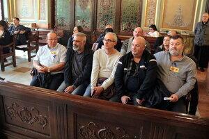 Imatge de treballadors de Sada i de representants sindicals
