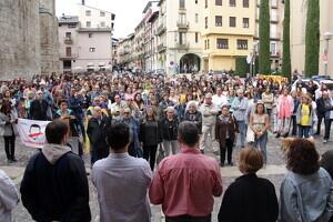 Pla general de les persones que s'han concentrat davant l'Ajuntament de la Seu d'Urgell