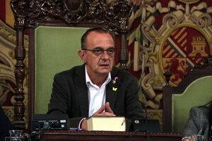 Pla mitjà de l'alcalde de Lleida, Miquel Pueyo