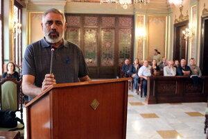 Pla mitjà del president del comitè d'empresa de Sada a Lleida, Juan Noguero