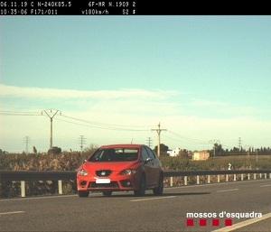 El vehicle circulava per Lleida a 180 km/h en una zona on la velocitat màxima permesa és de 90 km/h.