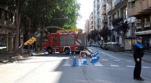 El vent ha arrencat un semàfor a l'avinguda de les Garrigues.