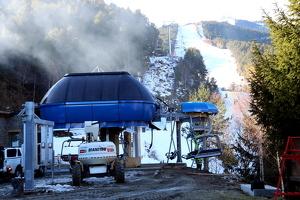 Imatge de les obres del nou telecadira de La Roca a l'estació d'esquí d'Espot