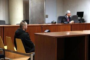 L'acusat d'abusos sexuals a Vilaller durant el judici a l'Audiència de Lleida