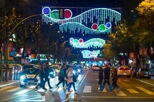 Les llums de Nadal ja funcionen a Lleida.