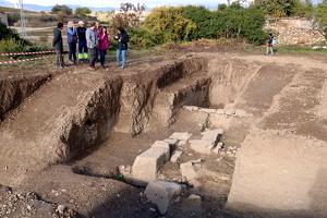 Pla general del jaciment arqueològic que ha deixat al descobert part de la muralla romana d'Isona