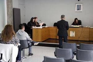 Un dels activistes de la PAH acusats, Henry Mora, assegut durant el judici
