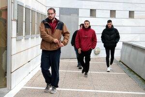 Pla sencer del raper Pablo Hasél arribant als jutjats de Lleida, el 8 de gener del 2020