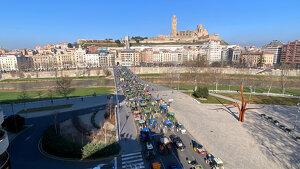 Tractors omplen el Pont Vell de Lleida