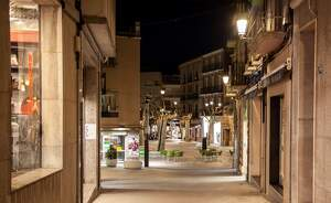 Pla general on es pot veure una part del centre de Mollerussa amb la nova il·luminació led