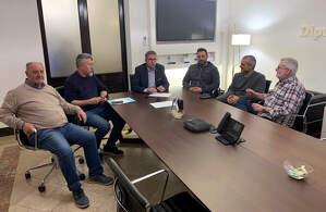 Imatge de la reunió per tractar el desviament de camions de l'N-240