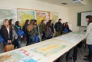 Els participants respondran preguntes que poden incorporar mapes