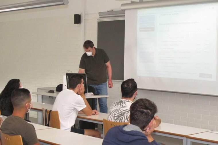 Imatge d'una classe de la UdL