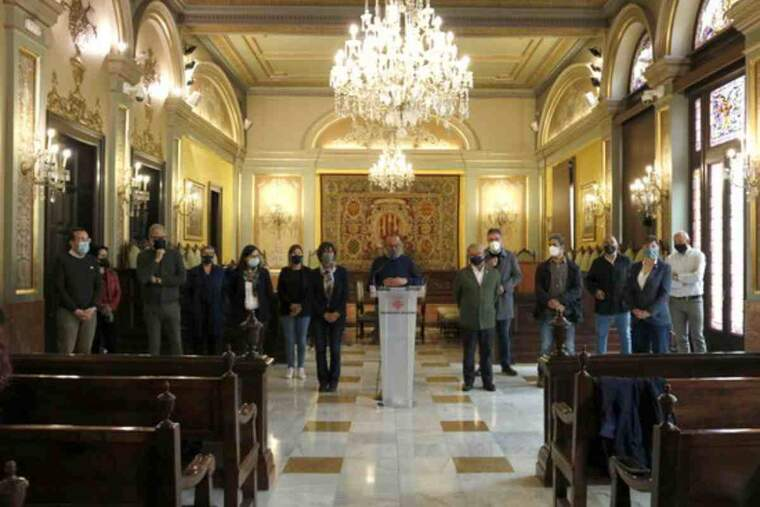 Pla general dels representants econòmics, polítics i socials lleidatans en una roda de premsa a la Paeria contra la possible desescalada