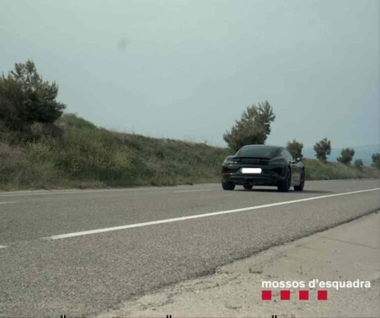 Pla obert del vehicle que circulava a 191 km/h per la C-14
