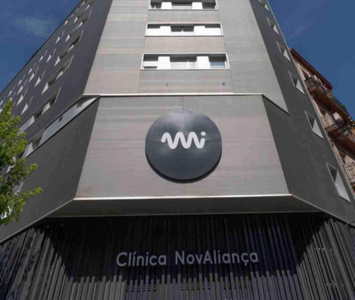 Pla obert de la façana de la clínica Mi NovAliança de Lleida