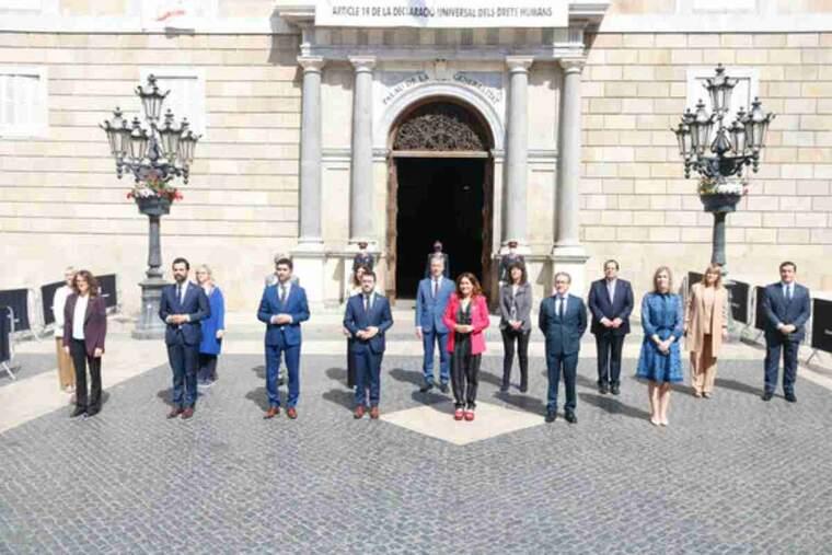 Foto de família del nou Govern de la Generalitat, liderat per Pere Aragonès