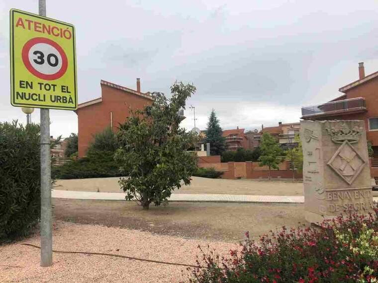 Imatge d'una zona 30 a Benavent de Segrià
