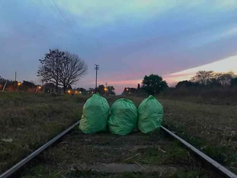 Imatge de tres bosses d'escombraries