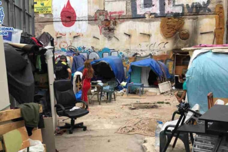 Barraques on vivien els menors alliberats