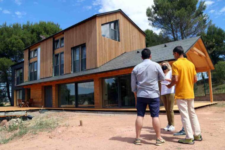 Imatge d'una casa de fusta
